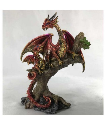 Dragon sur arbre